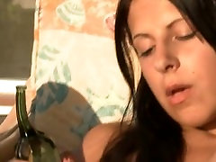 breasty girl deep dildoing with glass