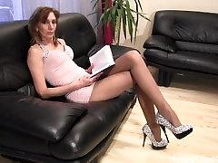 Mature tall woman nice high heels dangling