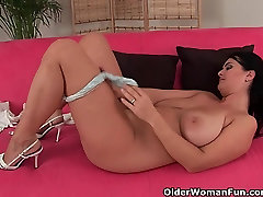 Mature mom with big tits works her pussy with her fingers