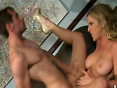 SEXY BIG TIT BLONDE BABE DEEPTHROATS & FUCKS COCK