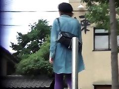 Asian hos piss a stream