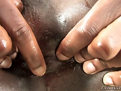 Sexy Chocolate Tranny Wants Big Toy In Ass
