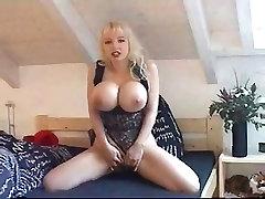 beautiful woman w big tits n long nails