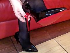 Seamed Nylon Stockings and Black Heels Upskirt