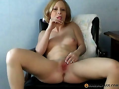 Self-spanking and pussy play